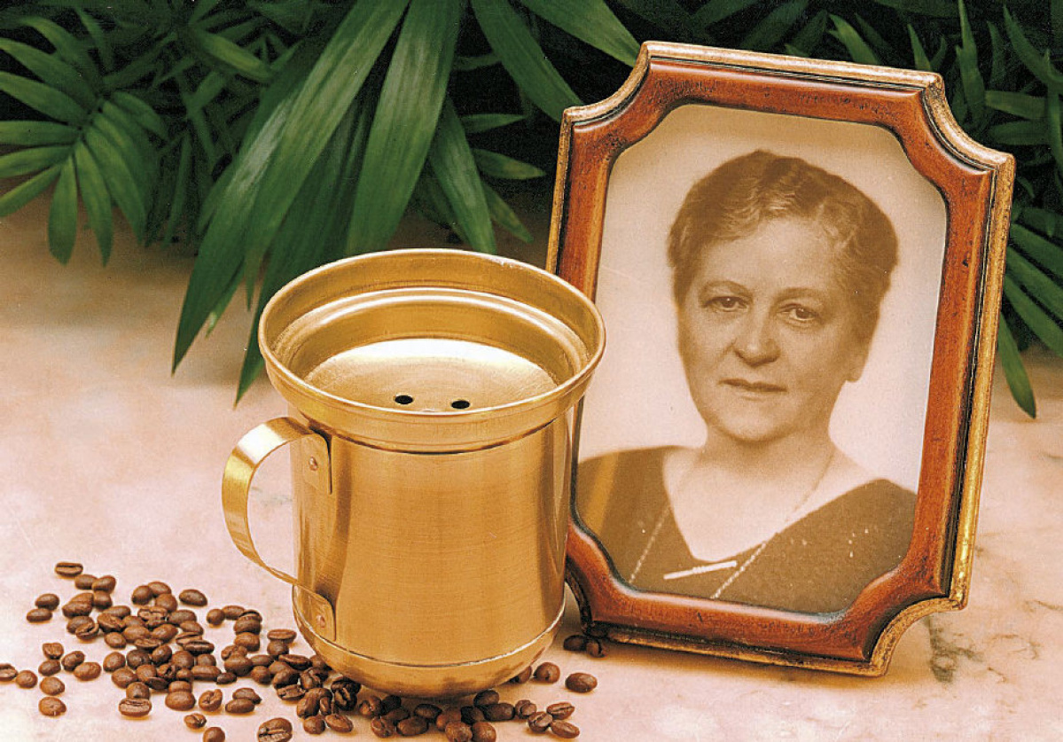 MAILMASTER Subject: Art for Mothers of Invention - Melitta photos On 2014-05-09, at 5:59 PM, Smith, Dan wrote: Melitta Bentz, courtesy Melitta USA Melitta_Bentz_Filter.jpg