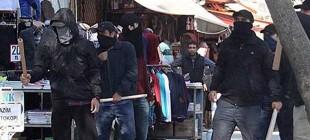 IŞİD protestosuna maskeli saldırı!