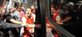 Enerji işçileri SGK'yi işgal etti: 15 işçi gözaltında!