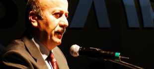 Mehmet Bekaroğlu CHP'ye üye oldu