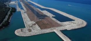 Karadeniz' dalgalarında havalimanı!