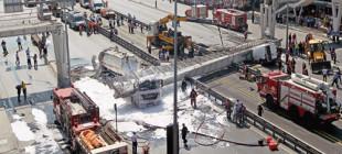 TMMOB'dan mektup: 2 yıl önce bir kamyon damperinin büyük hasar verdiği üstgeçit, bu kez yıkıldı!