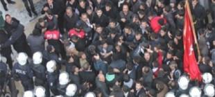 Sultangazi'de HDP binasıbin kişilik bir grup tarafındankuşatıldı!