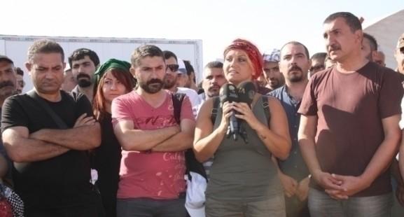 Kobanê'ye destek veren sanatçılara biber gazı!