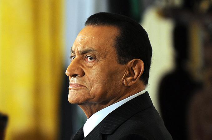 Kahire'deki ceza mahkemesi, Arap Baharı eylemleriyle devrilen ve 800'den fazla göstericinin öldürülmesinden sorumlu tutulan Mısır'ın eski Devlet Başkanı Hüsnü Mübarek'in beraatine hükmetti.