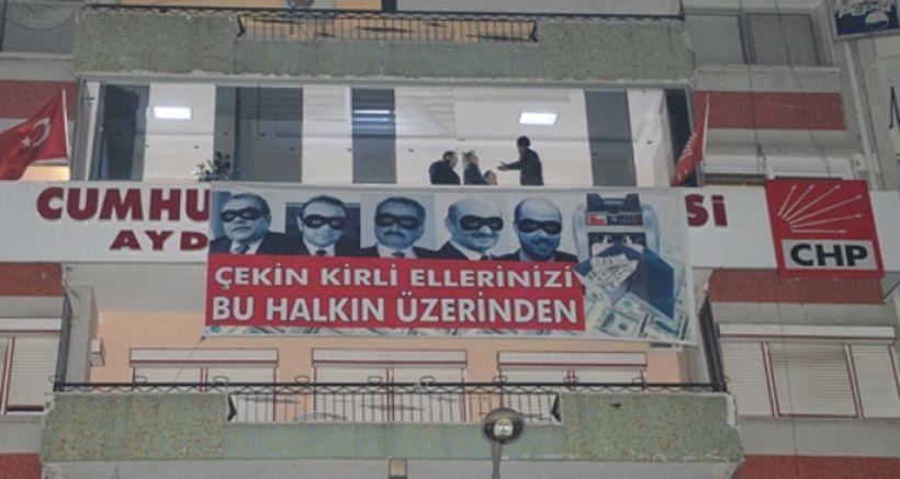 CHP yolsuzluk pankartı astı polis harekete geçti!
