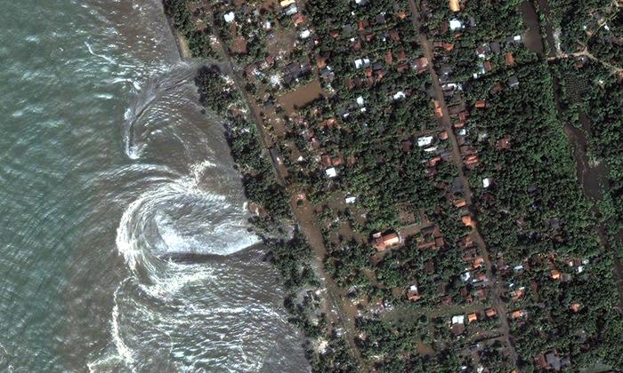 Tsunamide hayatlarını kaybedenler anılıyor!