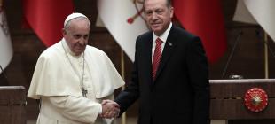 Papa Kobanêli mültecilerle görüşmek istedi, yetkililer izin vermedi!