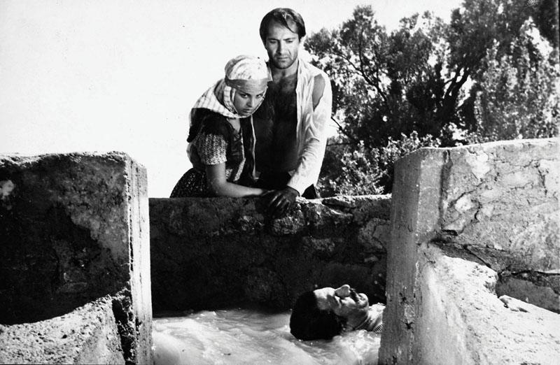 Susuz Yaz filmi, Türk sinemasının en iyi 100 filmi sıralamasında 1. seçilmişti.