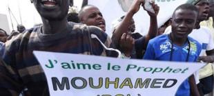 Charlie Hebdo karşıtı eylemde 4 ölü!