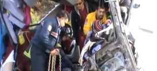 Mevsimlik işçileri taşıyan otobüs kaza yaptı: 5 ölü!