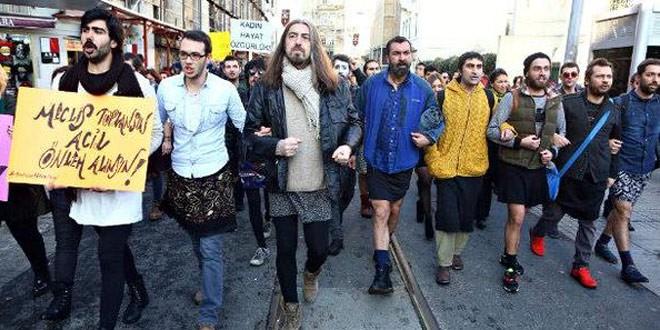 özgecan aslan eylemi, etekli erkekler, etekli erkekler eylemi, etekli erkekler taksimde yürüdü, kadına şiddet, kadına şiddete hayır, kadın eylemi, manşet,