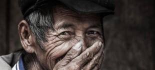 Gülüşünü gizleyen insanlar; Vietnamlılar!