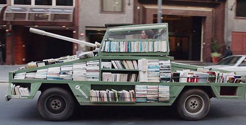 Dünyanın en ilginç sanatçısından en ilginç savaş aracı (7)