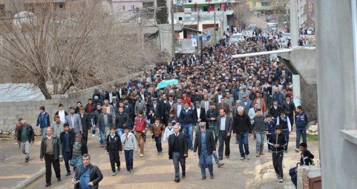 Kırklareli Üniversitesi Lüleburgaz MYO Elektronik Bölümü öğrencisi Adıyamanlı Ramazan Fırat'ın aynı evi paylaştığı ülkü ocakları ile bağlantılı öğrenciler tarafından öldürüldüğü iddia edildi.