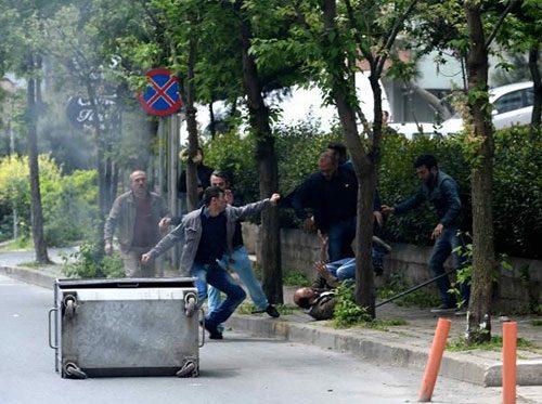 1 mayıs, esnaf, eylemci, polis, teşekkür, esnaf eylemcileri dövdü, ibiler yine ortada, 1 mayıs gösterileri, istanbul, taksim, istanbul fulya,