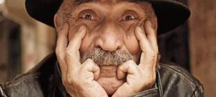 25 fotoğraf üstü yazıyla yitirdiğimiz dev sanatçı Tuncel Kurtiz
