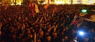 Dilan'ı memleketi Adana'da binler karşıladı!