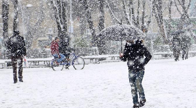 İstanbul Valiliği'nden yoğun kar yağışı açıklaması