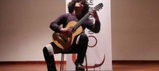 Klasik gitar yarışmasının birincisi Cem Şivan Ergül