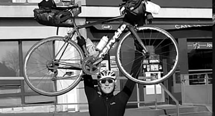 Britanyalı öğrenci, dünyayı bisikletle turlayan 'en genç insan' oldu