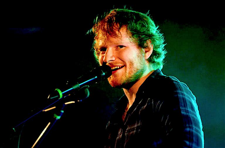 Ed Sheeran, U2'nun dünya turnesi rekorunu kırdı