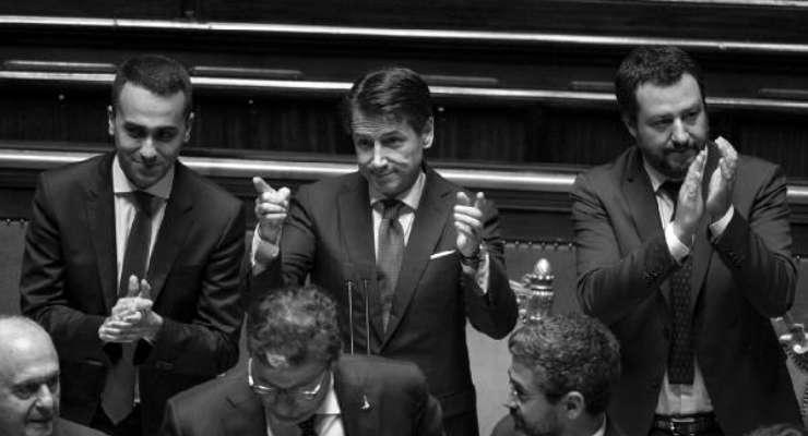 Erken seçime gitmesi beklenen İtalya'da başbakan Conte istifa ediyor