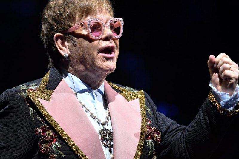 Elton John ve Metallica'dan Avustralya'daki yangınlar için yüklü bağış