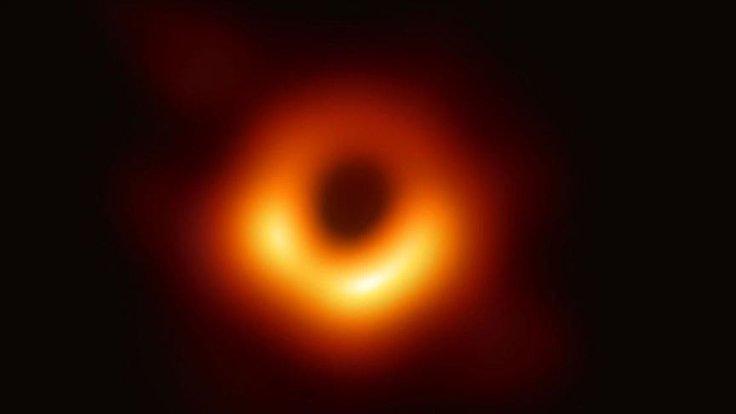 Einstein'ın genel görelilik teorisi kara delik yakınında doğrulandı