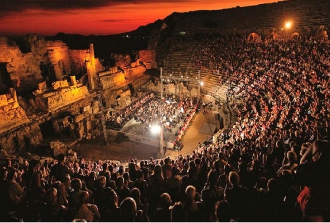 Antalya DOB Orkestrası eşliğinde yedi tenor Aspendos'ta konser verecek