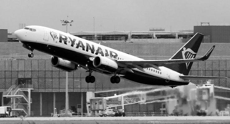 'Uygun fiyatlı' hava yolu şirketi Ryanair 3 bin 500 kişiyi işten çıkarabilir