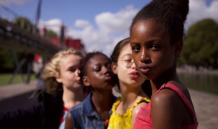 Netflix, 'Minnoşlar' filminin uygunsuz tanıtımı için özür diledi