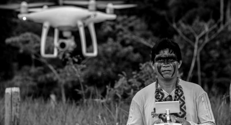 Amazon kabileleri yağmur ormanlarını korumak için drone kullanmayı öğreniyor