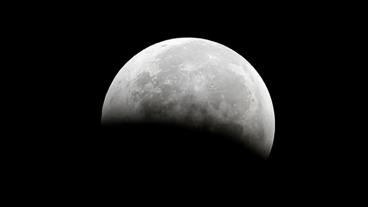 NASA, Ay'da su bulunduğunu açıkladı