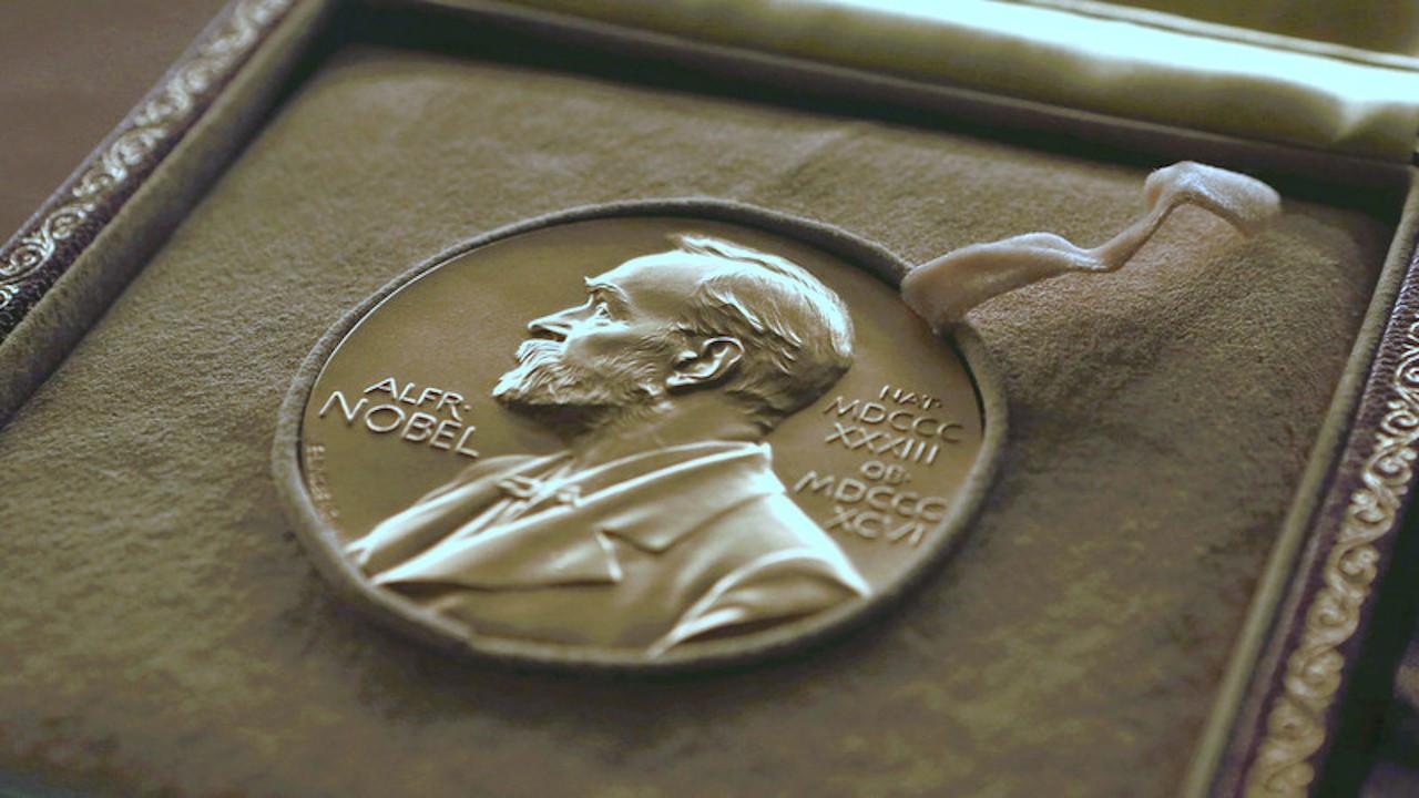 Nobel Fizik Ödülü ikiye bölündü