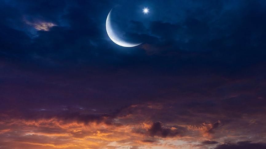 Akrep burcunda süper Yeni Ay