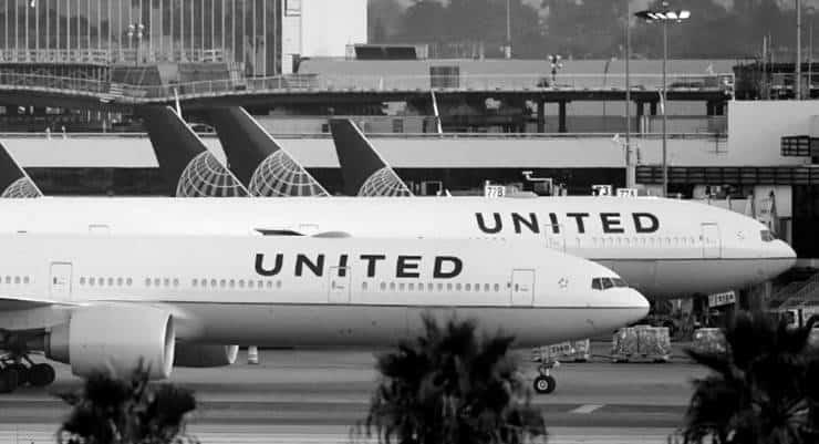 Uçakta ölen yolcuda 'corona' şüphesi: ABD'li yetkililer diğer yolcuları takibe aldı