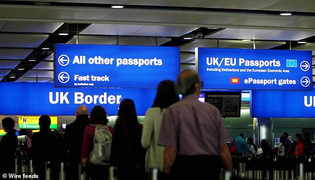İngiltere'ye 'Ankara Antlaşması' izdihamı
